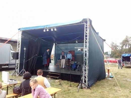 Stage, zastřešení 6x5m + pódium 6x4m.
